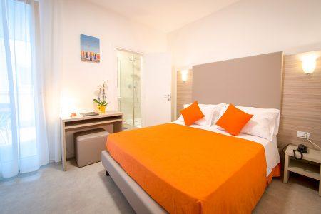 Camera Comfort Di Hotel Similan Con Terrazzo Privato E Bagno