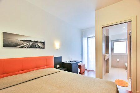 Camera Superior Tripla Di Hotel Similan Con Terrazzino Privato E Bagno